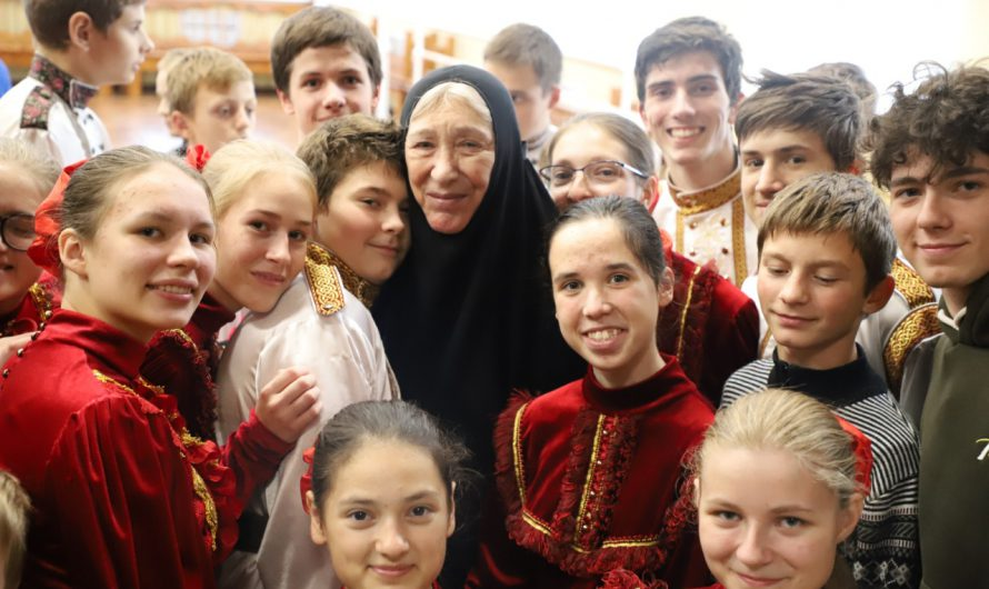 Инокиня Василисса (народная артистка РСФСР Екатерина Васильева) посетила Богородицкий Житенный монастырь